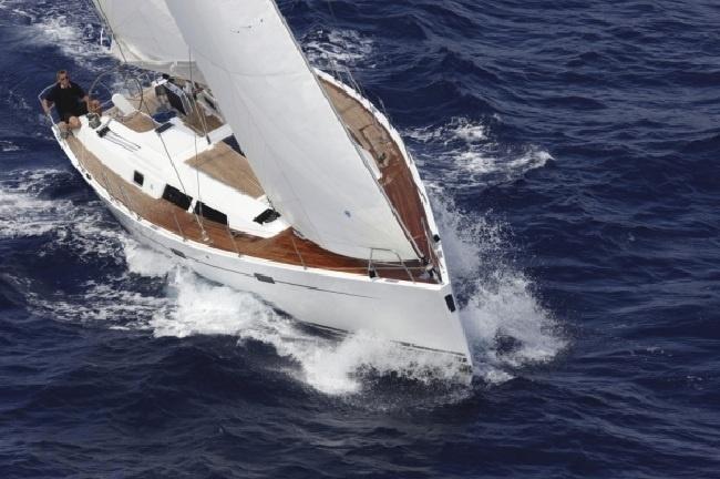Yacht Mamaia